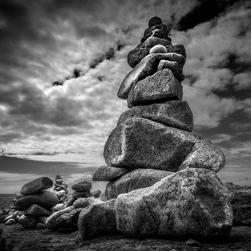 Piled rocks van
