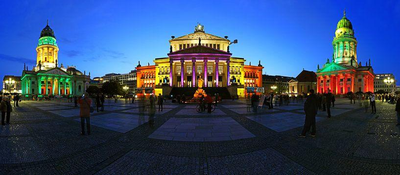 Berlijn Gendarmenmarkt - Panoramaschot in een bijzonder licht van Frank Herrmann