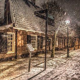 De Groeneweg in Leeuwarden in de avondsneeuw van Harrie Muis
