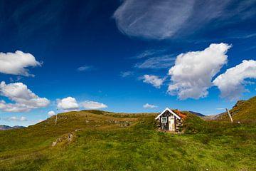 Hütte in den Hügeln von Mario Verkerk