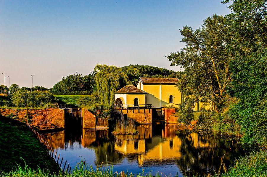 The Water Mill van Brian Morgan