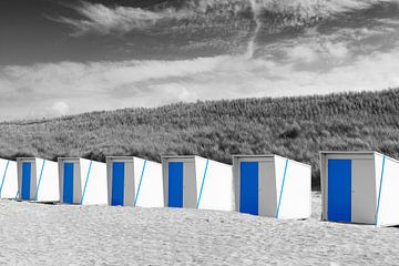 Maisons de plage blanches et bleues sur Sjoerd van der Wal