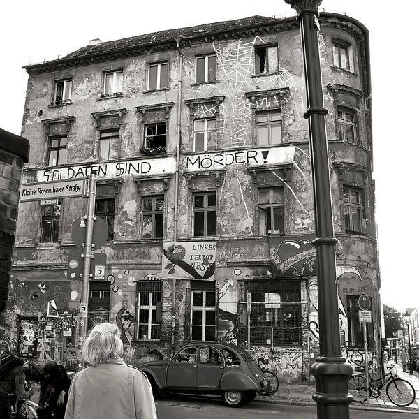 A OLD SQUAT in the HEART of BERLIN van Silva Wischeropp