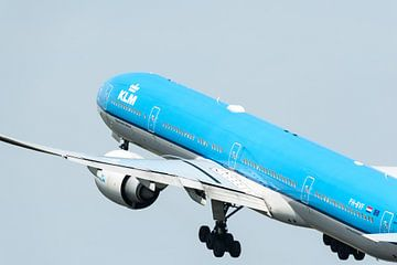 KLM Boeing 777 vertrekt van Schiphol van Wim Stolwerk