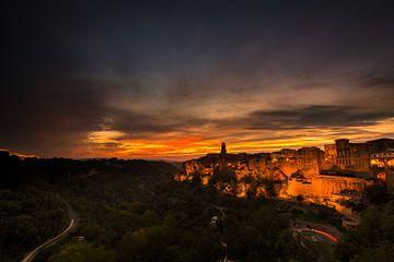 Zonsondergang bij Pitigliano - Toscane van Damien Franscoise