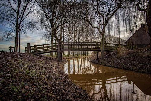 Bridge over troubled water van