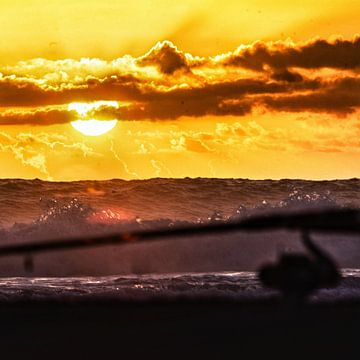 Een hengel bij zonsondergang  van SPOOR Spoor