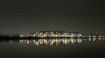 Avondfoto van reflectie van Spakenburg Zuyderzee aan het Eemmeer
