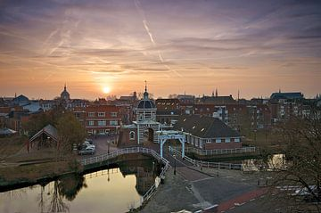 Zonsopkomst boven Leiden en de Morspoort von Martijn van der Nat