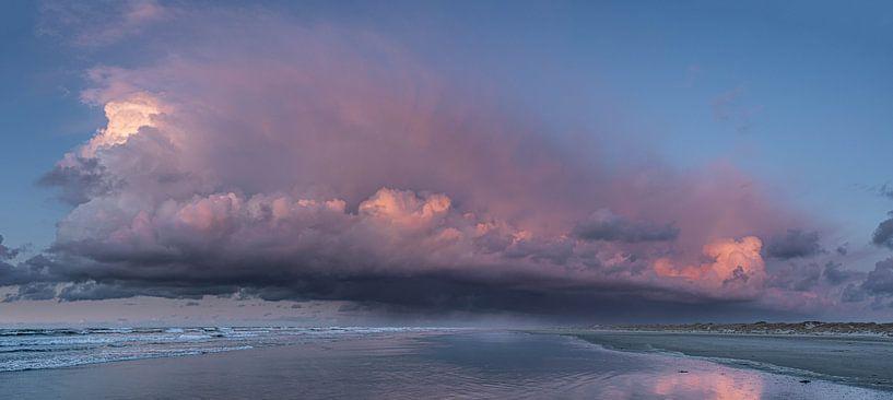 Fantastische wolk van Marjolein van Roosmalen