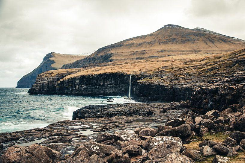 Eidi Waterval op de Faeröer Eilanden van Expeditie Aardbol