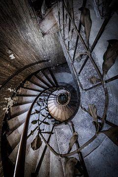 Treppe mit Spirale und Dekorationen von Inge van den Brande
