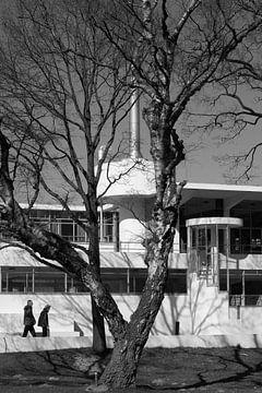 excursie naar Sanatorium Zonnestraal van Jan Duiker sur Peter de Ruig