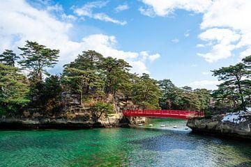 Rode brug in Matsushima van Mickéle Godderis