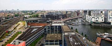 Zicht op Amsterdam en het IJ van Reinder Weidijk