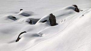 Skisporen in de sneeuw - Sextener Dolomieten - Südtirol - Italië sur