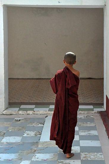 Boeddhistische monnik in kloostergang Myanmar