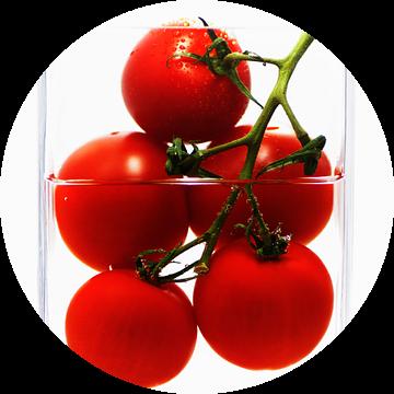Tomaten in pot als abstract van Tanja Riedel