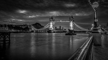 Zwart-Wit: Londen - Tower Bridge - Thames van Rene Siebring