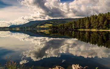 Strondafjord Reflecties, Noorwegen van Adelheid Smitt