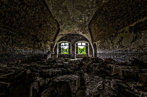 Fallen Fortress von Igwe Aneke