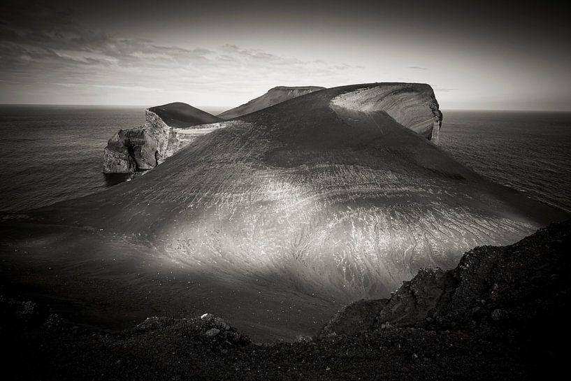 Vulkaanlandschap op Faial, Azoren van Marcel Bakker