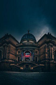 Düster und dunkel, das Octagon Gebäude in Dresden von Jan Wehnert