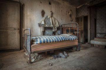 Bed verlaten huis van Kelly van den Brande