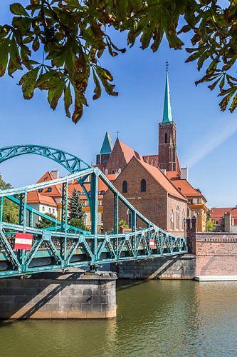 WROCLAW Church of the Holy Cross and Tumski Bridge. van Melanie Viola