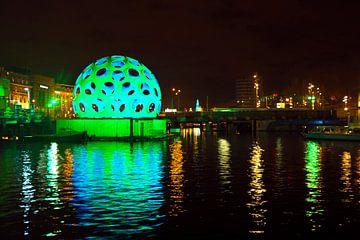 Lichtfestival in Amsterdam bij nacht van Nisangha Masselink