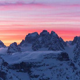Roze ochtend in de Italiaanse Dolomieten van Jonathan Vandevoorde