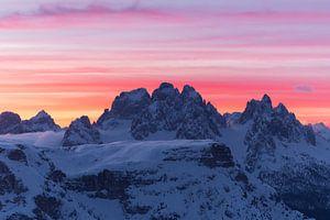 Roze ochtend in de Italiaanse Dolomieten van