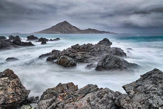 Desolate rotskust in Chili van Chris Stenger