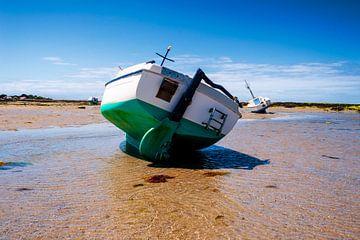Boot op zand van