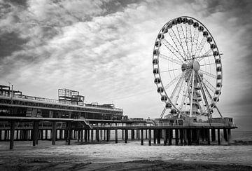 Pier van Scheveningen in zwart-wit von Peter Nolten