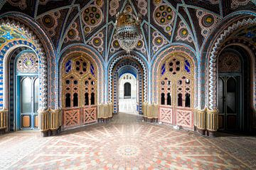 Bunter Saal in einem Schloss, Italien. von Roman Robroek