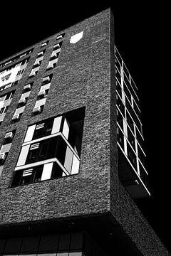 Architecture bâtiment Doornroosje Nijmagen en noir et blanc sur Marianne van der Zee