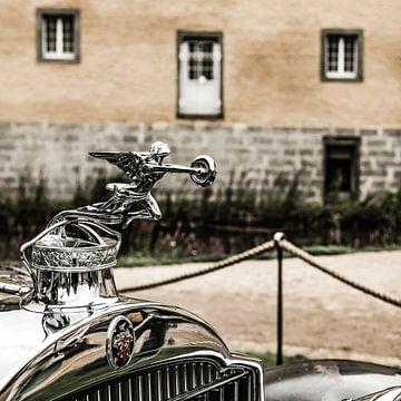 Packard radiator ornament van
