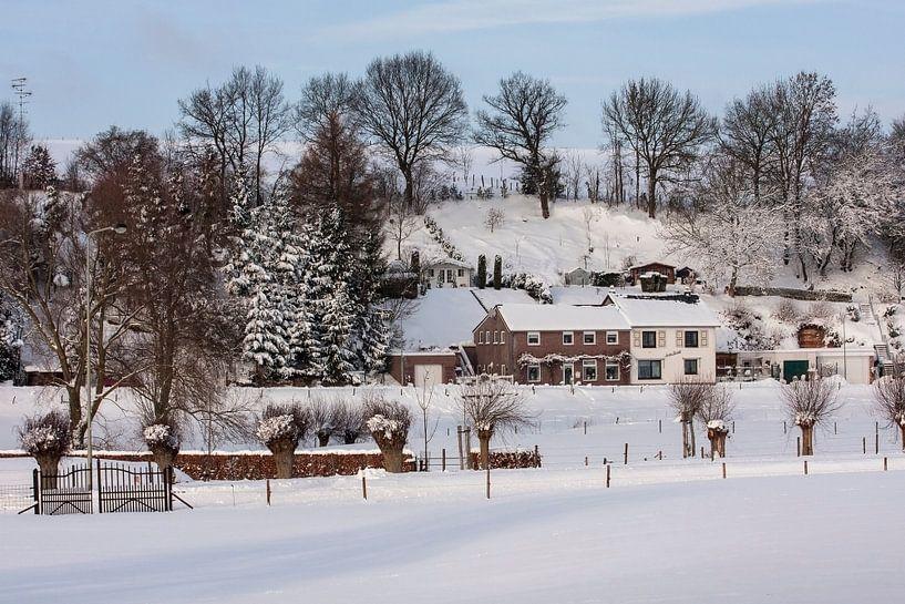 Bulkem Simpelveld in de sneeuw 2010 van John Kreukniet