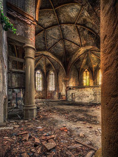 Verlaten plaats - oude kerk van Carina Buchspies
