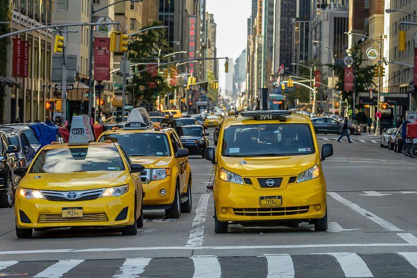Yellow Cap in Midtown New York van René Roos