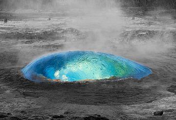 Geiser uitbarsting bol van