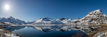 Zee in Noorwegen op de Lofoten van Maik Richter