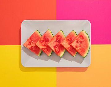SF 12664312 Watermeloen op kleurrijke achtergrond van BeeldigBeeld Food & Lifestyle