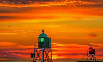 Zonsondergang bij de haven van Stavoren van Harrie Muis
