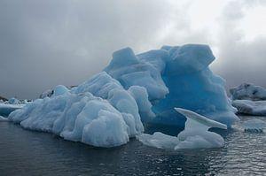 Icelandic Ice 02 van