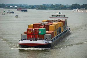 """Containerschip onder de """"zwaan"""" te Rotterdam. von"""