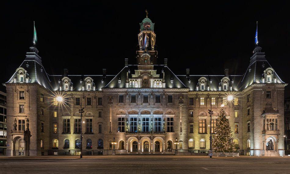 Het stadhuis in Rotterdam in de avond van MS Fotografie