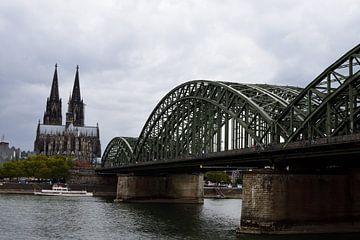 Dom van Keulen met Rijnbrug van Gerard de Zwaan