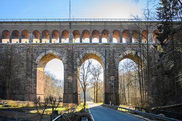 Oost-Duits viaduct van Rens Bok